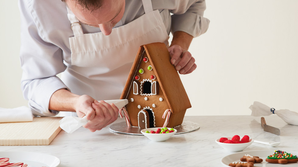 How To Make A Gingerbread House Hallmark Ideas Inspiration