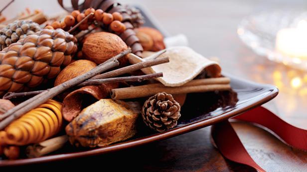 Aromatherapy: 3 Fall Scents to Lift Your Mood #Hallmark #HallmarkIdeas