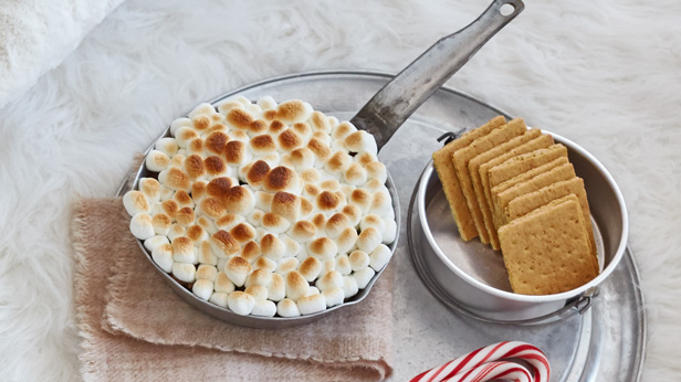 Christmas camp IN s'mores dip recipe