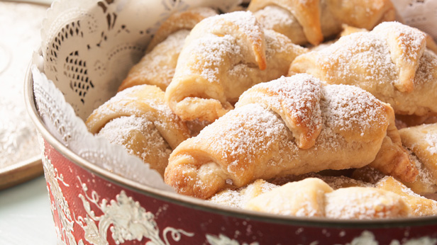 Christmas Cookie Recipes: Christmas Kipfels #Hallmark #HallmarkIdeas