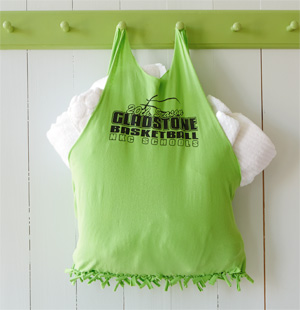 DIY Graduation Gifts: T-shirt Tote Craft #Hallmark #HallmarkIdeas