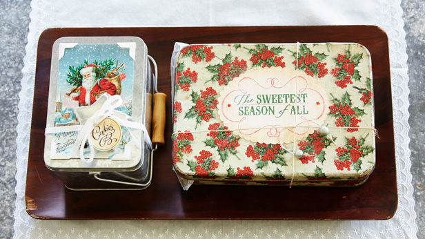 Wrap your homemade Christmas gifts in style: tins #Hallmark #HallmarkIdeas