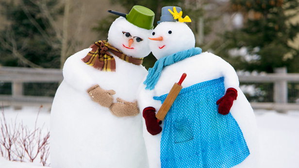 How to build a snowman couple