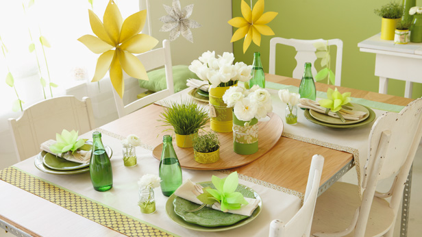 DIY Party Decorations #Hallmark #HallmarkIdeas