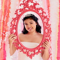 Quinceanera decorations: framed-up photo ops #Hallmark #HallmarkIdeas