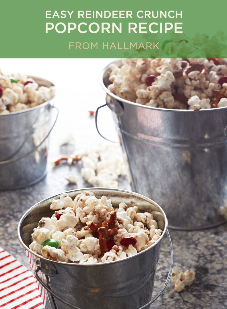 Christmas Popcorn Recipes.Reindeer Crunch Popcorn Recipes
