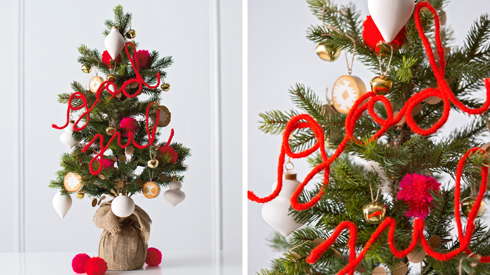 christmas tree decorating ideas and themes a scandinavian christmas - Nordic Christmas Tree Decorations
