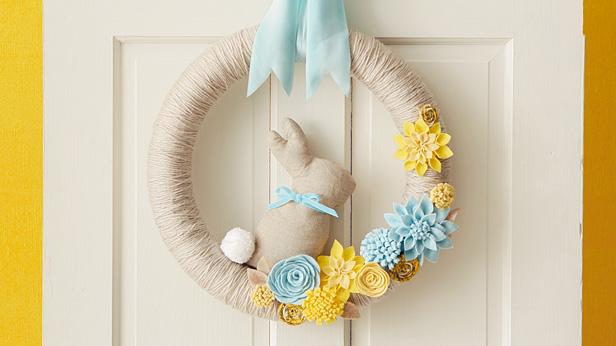 DIY Spring Wreath #Hallmark #HallmarkIdeas