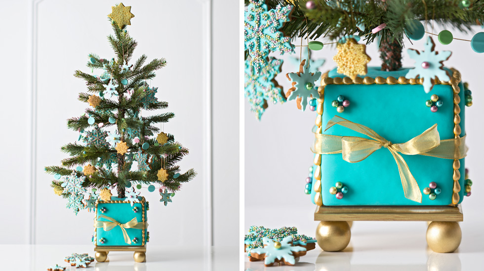 christmas tree decorating ideas and themes sweet gingerbread - Turquoise Christmas Tree Decorations