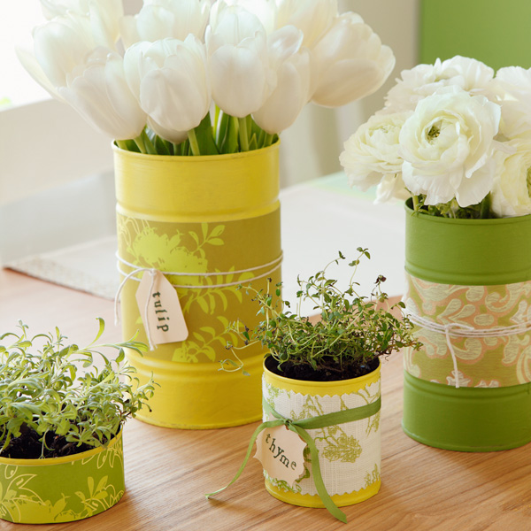 DIY Party Decorations: Recycled Can Collection Centerpiece #Hallmark #HallmarkIdeas