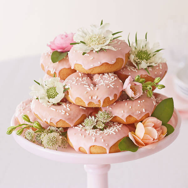 Easy birthday cake ideas: A Heap of Sweet Somethings