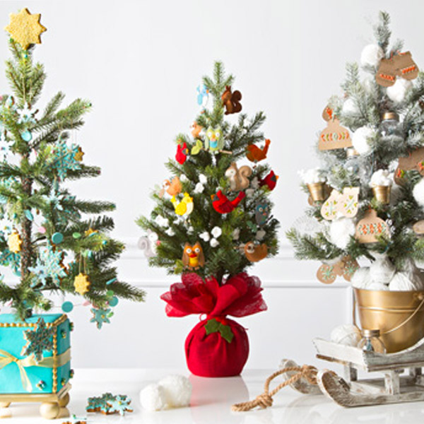 12 creative christmas tree decorating ideas - Miniature Christmas Tree Decorations