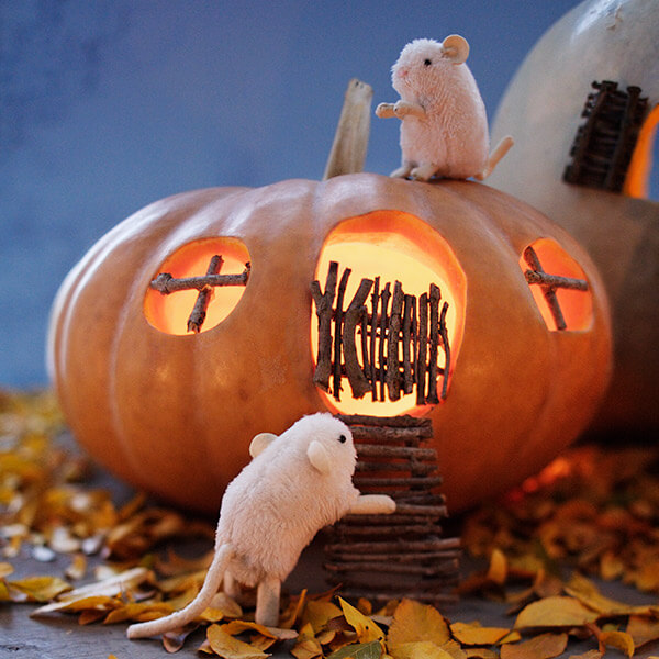 Creative Pumpkin-Carving Ideas: Haunted Mouse Houses