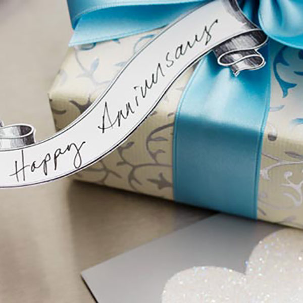 wedding anniversary gifts by year ideas