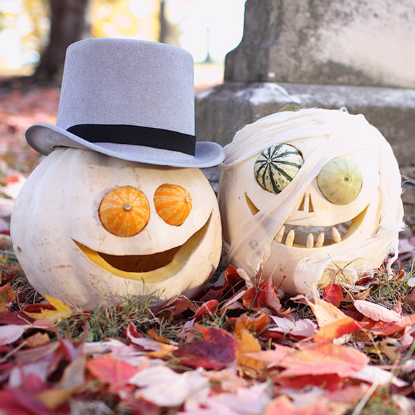 Creative Pumpkin-Carving Ideas: Died Bride & Doomed Groom