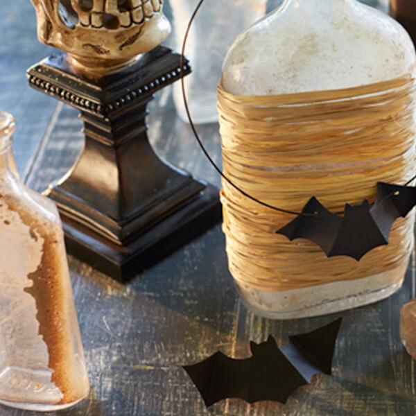 Halloween paper crafts: a little bit batty