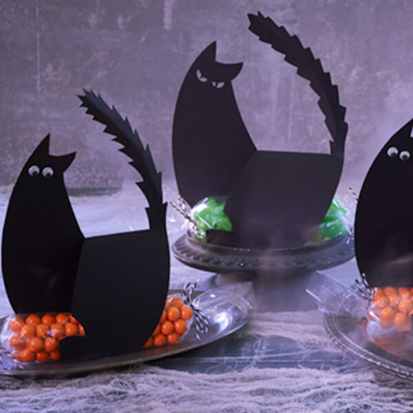 Halloween paper crafts: a glaring of cats