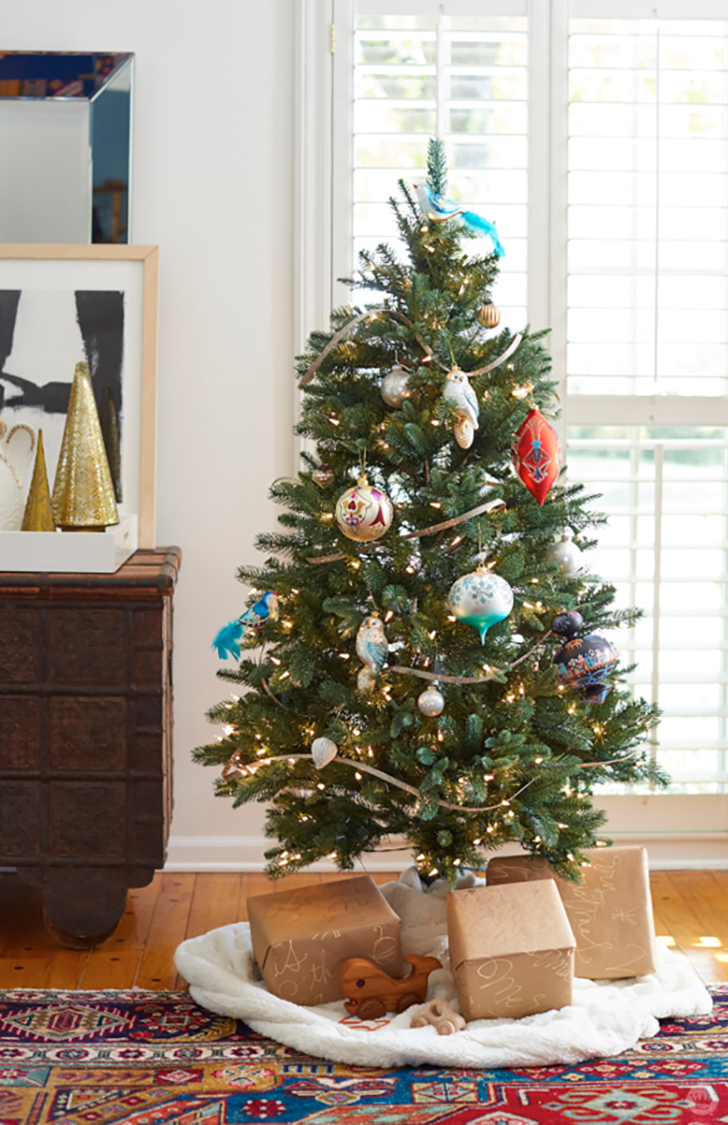Tree with Heritage Ornaments - Hallmark & Community