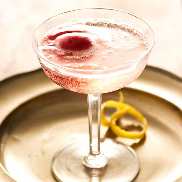 Champagne-sorbet cocktail