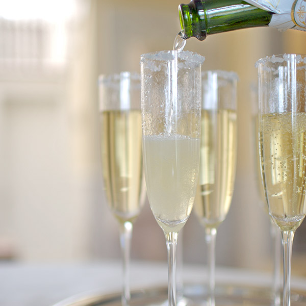 Making wedding toasts memorable for the right reasons