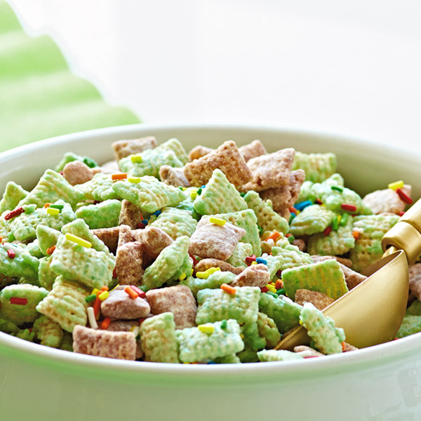 Rainbow crunch snack mix recipe