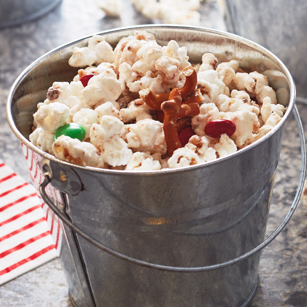 Reindeer crunch popcorn recipes