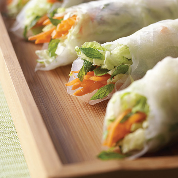 Thai Salad Spring Roll Recipe with Peanut Sauce