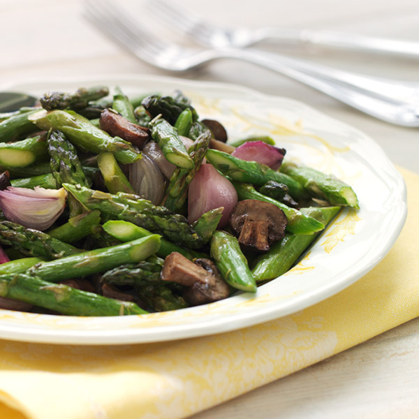 Roasted Asparagus Recipe with Mushrooms and Shallots