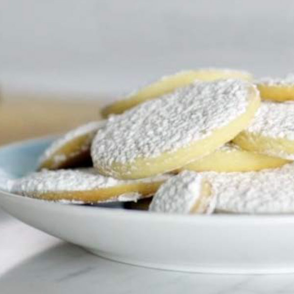 Snowball shortbread cookies