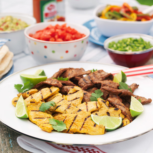 Pan-grilled chicken and steak fajitas