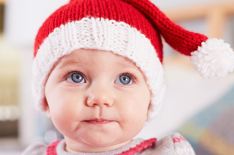 Baby Christmas picture ideas: 7 best holiday pictures and props