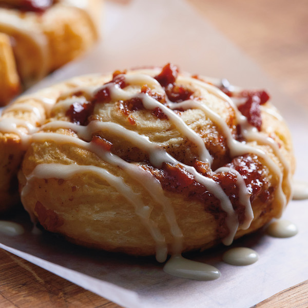 15-Minute Bacon Cinnamon Rolls