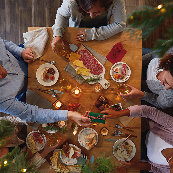 How to Make Meaningful Holiday Traditions - At the table