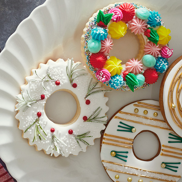 Christmas Cookie Decorating Ideas: 3 Modern Christmas Wreath Cookies