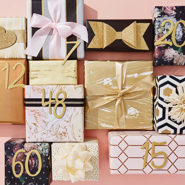 Presents with anniversary years